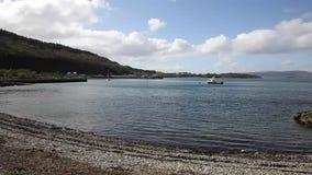 Ilha de Craignure Mull Argyll e da opinião britânica de Escócia do Bute ao porto de balsa video estoque