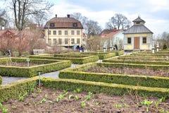 A ilha de Djurgarden, Éstocolmo Museu de Skansen flowerbeds fotografia de stock