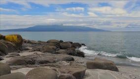 Ilha de Iturup Rochas pretas vídeos de arquivo