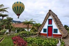 Ilha de Madeira, Portugal Paisagem rural de Santana imagem de stock