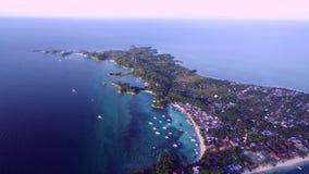 Ilha de Malapascua Administrativamente, é parte do barangay peninsular do fazer logon, Daanbantayan, Cebu video estoque