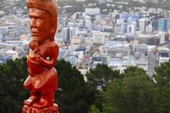 Ilha de Maori Idol Statue Mount Victoria Wellington Cityscape New Zealand North imagens de stock