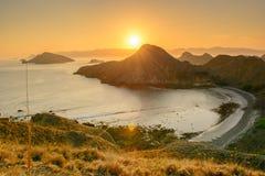 Ilha de Padar da opinião do por do sol Fotos de Stock Royalty Free