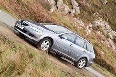 Ilha de Skye, Escócia, em março de 2012: Propriedade 2005 de Mazda 6 - motor de gasolina eterno japonês, problemas com corrosão d imagem de stock