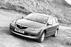 Ilha de Skye, Escócia, em março de 2012: Propriedade 2005 de Mazda 6 - motor de gasolina eterno japonês, problemas com corrosão d foto de stock