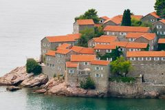 Ilha de Sveti Stefan (St. Stevens) foto de stock