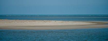 Ilha de Tybee perto das cenas da praia de Geórgia do savana Fotos de Stock Royalty Free