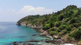 Ilha do cockburn da vista aérea no verão em Myanmar filme