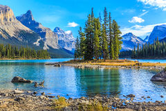 Ilha do espírito no lago Maligne, Alberta, Canadá Fotos de Stock