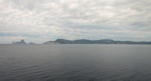 A ilha do ibiza vista do mar fotos de stock royalty free