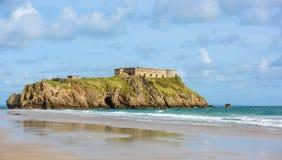 Ilha do St Catherines, Tenby, marco bonito do turista Fotos de Stock Royalty Free