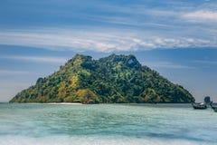 Ilha em tropical ao leste de Tailândia foto de stock