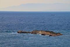 A ilha exótica pequena fotografia de stock royalty free