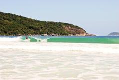Ilha Grande: Duża fala przy plażowym Praia Lopes Mendes, Rio De Janeiro stan, Brazylia Obrazy Stock