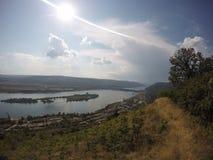 Ilha no meio de Danúbio fotos de stock royalty free