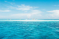Ilha pequena no Oceano Índico fotografia de stock