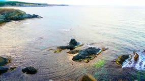 Ilha pequena perto da costa do mar, o Mar Negro fotografia de stock royalty free