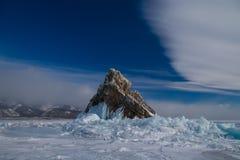A ilha rochosa no gelo Imagem de Stock