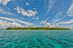 Ilha tropical do paraíso de turquesa de Siladen Imagem de Stock