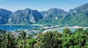 Ilha tropical Phi Phi Don de Phuket do seascape imagens de stock