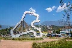 Ilhabela Scuplture przy wejściem wyspa - Ilhabela, Sao Paulo, Brazylia Zdjęcie Royalty Free