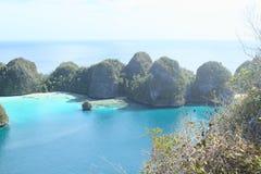 Ilhas da rocha em Wayag imagem de stock royalty free