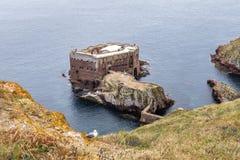 Ilhas de Berlengas, Portugal - 21 de maio de 2018: Forte de Sao Joao Batista, imagens de stock