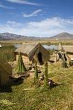 Ilhas de flutuação de Uros no lago Titicaca, Peru Imagens de Stock