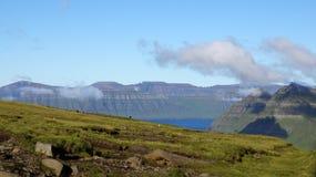 Ilhas Faroé, vista do fiorde Imagem de Stock