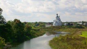 Ilinsky Kirche bei Suzdal am Sommer stock video
