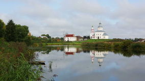 Ilinsky Kirche bei Suzdal am Sommer stock video footage