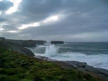Illavarslande förebåda himlar som är västra av Irland royaltyfri fotografi
