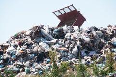 Illegale Müllgrube stockbilder