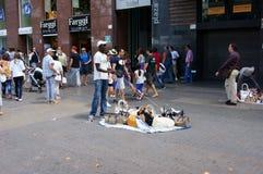 Illegaler afrikanischer Migrant mit einem speziellen Tellersegment, Barcelona Stockbilder