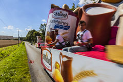 Publiciteit Caravan Action- Le Tour DE Frankrijk Stock Foto's