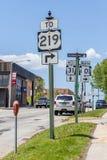 Illinois, EUA 19 de maio de 2014 Roadsign da informação do sentido Fotos de Stock