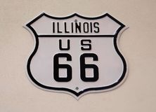 Illinois USA 66 skallr Rogers Highway royaltyfri foto