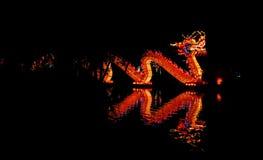 Illluminated中国龙灯笼 库存图片