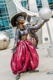 Illumina Art Sculptures, bootst kunstenaar, clown Pantomime na stock afbeeldingen