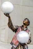 Illumina Art Sculptures, mimica o artista, palhaço Pantomime, executor de circo Fotografia de Stock Royalty Free