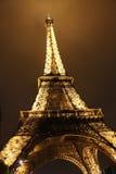 Illuminated Eiffel tower at night Royalty Free Stock Photos