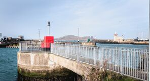 Illuminated signal for boat guidance in howth harbor