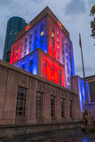 Illumination de Houston City Hall, le Texas par nuit images libres de droits