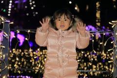 Illumination de Noël et fille japonaise Images libres de droits