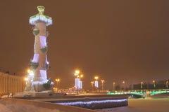 Illuminazione celebratoria della colonna Rostral Fotografie Stock