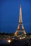 Illuminazione di notte della torre Eiffel Immagine Stock Libera da Diritti