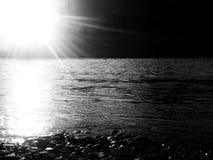 Illuminazione di notte, riflessione nel wather fotografia stock libera da diritti