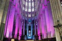 Illuminazione nella cattedrale a Beauvais Francia fotografie stock