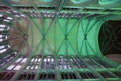 Illuminazione nella cattedrale a Beauvais Francia immagini stock libere da diritti