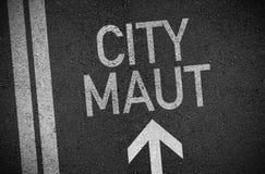 Illustratie van asfalt met pijl en stad maut stock foto